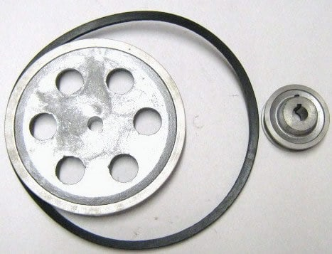 Turbine-gearbox drive belt and pulleys