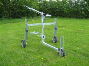 Centre pull raingun trolley